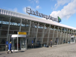 eindhoven-airport-luchthaven-taxi