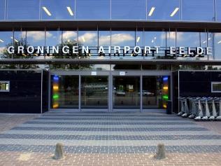 groningen-airport-eelde-airport-luchthaven-taxi