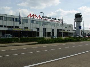 maastricht-aachen-airport-luchthaven-taxi